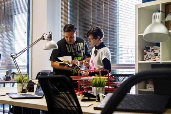 Trabajando en un espacio coworking